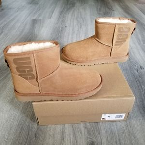 UGG Classic Mini UGG Rubber Logo Suede Boot